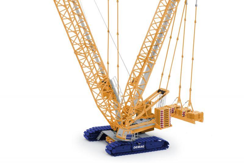 DEMAG CC 3800-1 Crawler crane