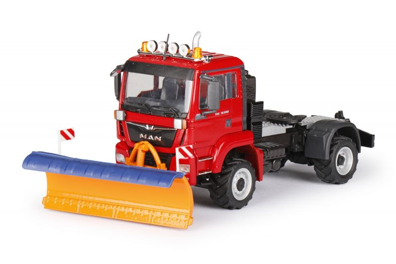 MAN TGS M 18.500 Agricultural truck with snow plow