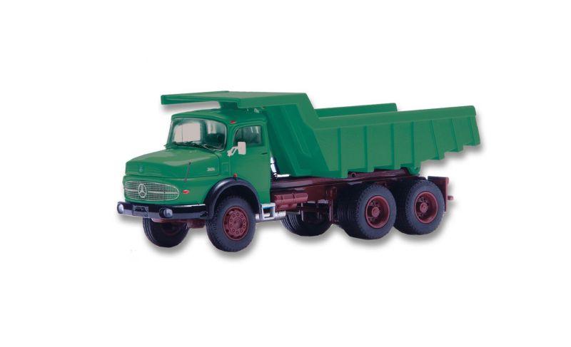 MERCEDES-BENZ LAK 2624 Round bonnet truck 3-axle with quarry rock body